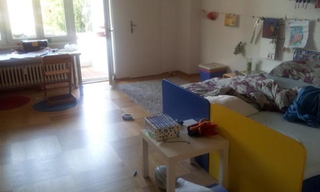 Dětský pokoj před návštěvou zelené úklidovky