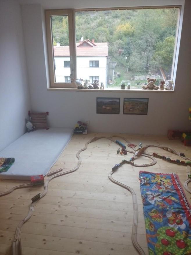 Dětský pokoj po návštěvě Zelené úklidovky