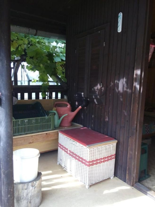 veranda-po-navsteve-zelene-uklidovky