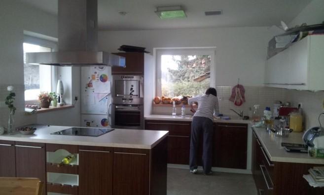 Kuchyně BĚHEM úklidu