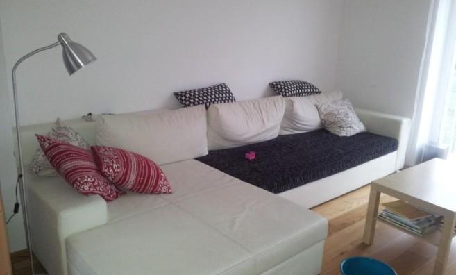 Sedačka v obývacím pokoji PŘED