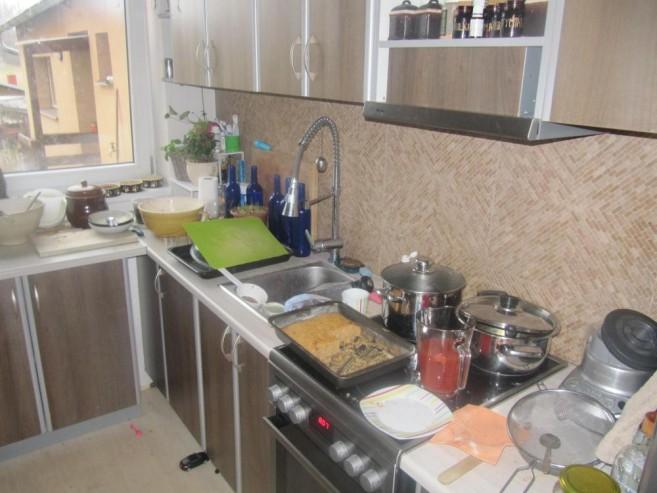Kuchyňský kout před úklidem